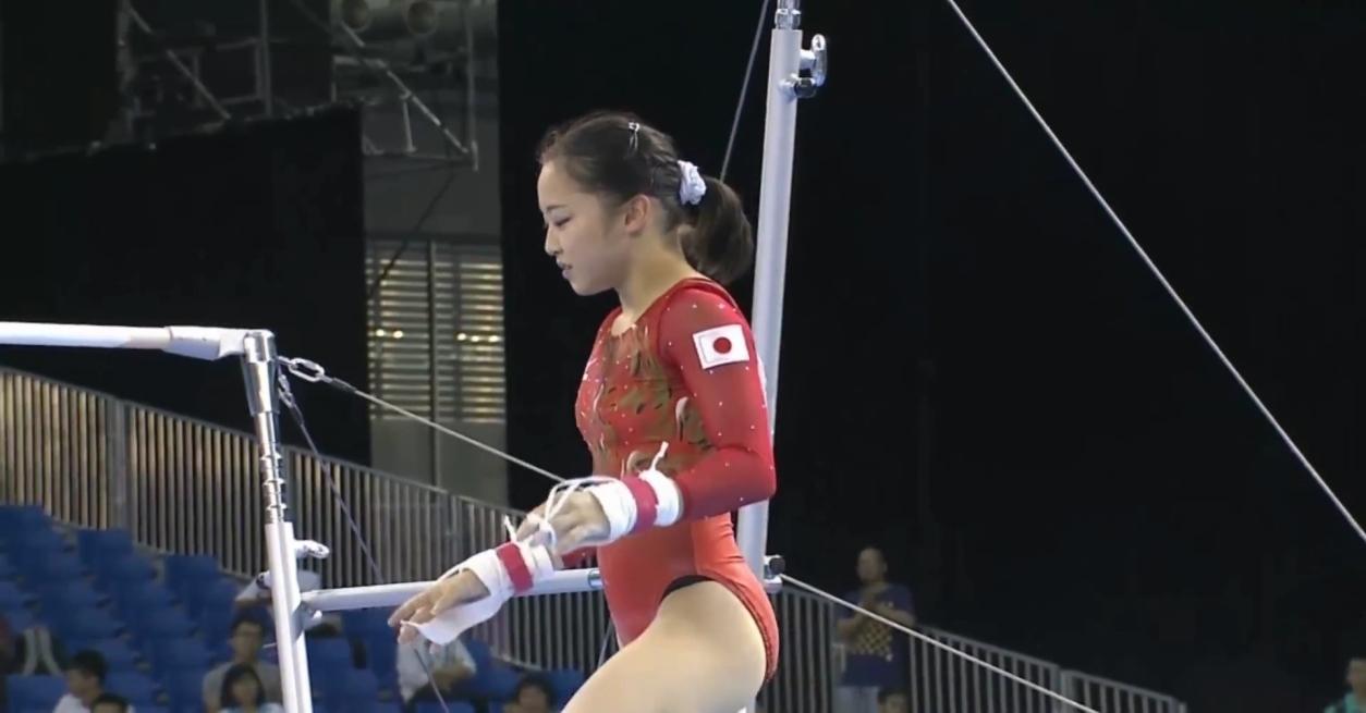 体操: (2) スポーツ エロ目線でイケるよね?